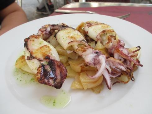 Delicious whole calamari
