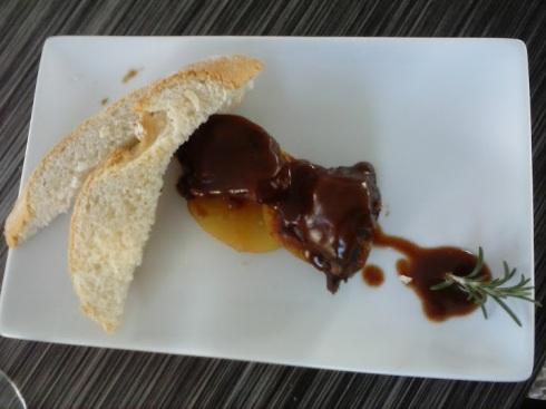Cocoliso: Clave de Sol: Carrilleras al vino de jerez (patata panadera, carrillera, salsa española especias)