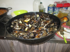 Party-size mejillones (mussels)